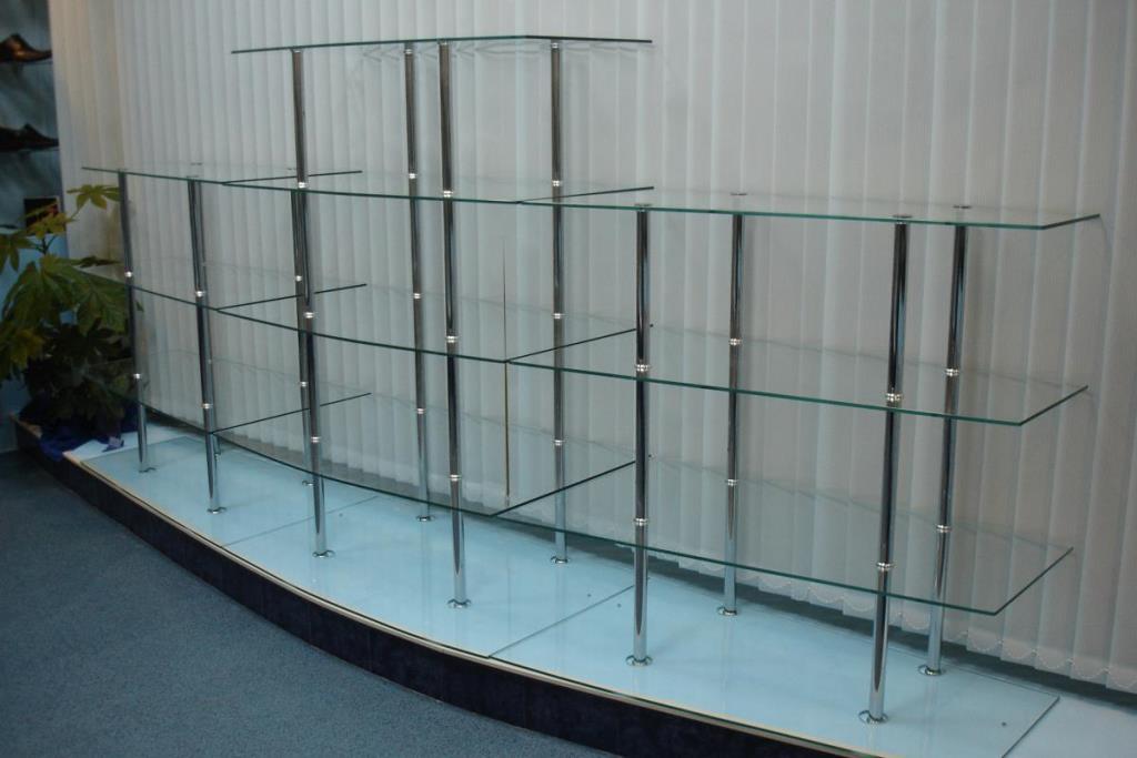 витрины стеклянные для магазина